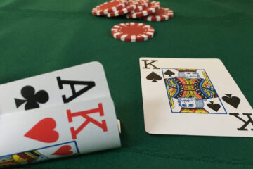 online poker and live poker