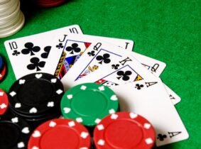 traditional and online poker